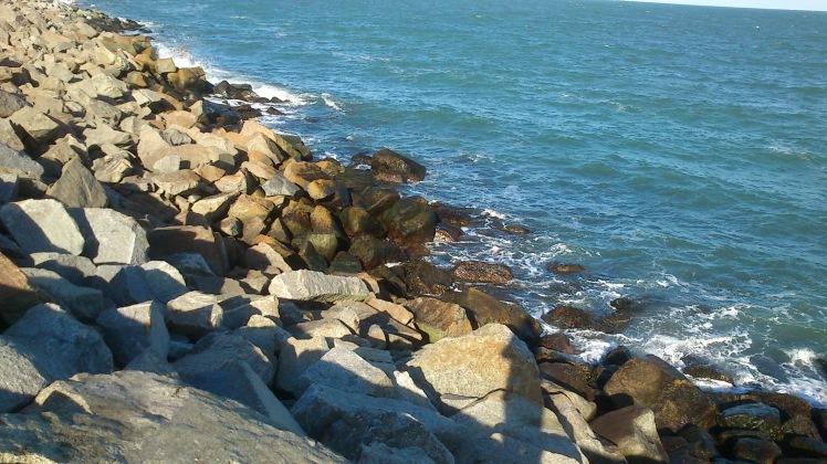 Rochas e o mar