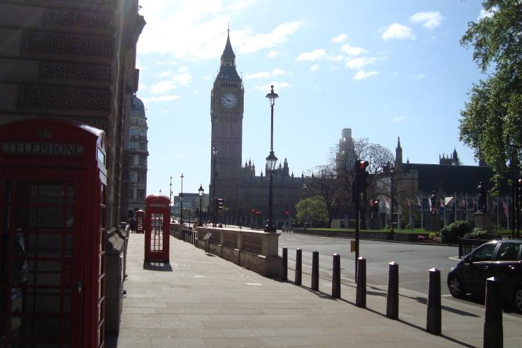 Big Ben e cabines telefônicas