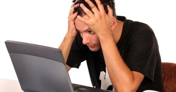 midia-indoor-tecnologia-notebook-laptop-negocio-trabalho-mouse-trabalhar-ocupacao-internet-computador-web-escritorio-profissional-comunicacao-emprego-estresse-preocupacao-1271083189413_956x500