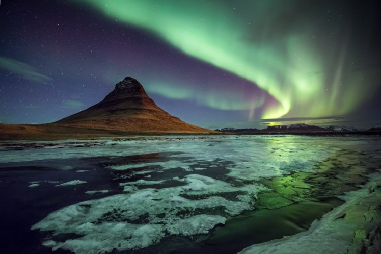Iceland - Aurora Bureal