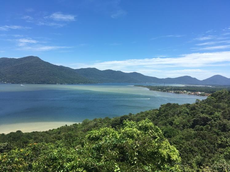 Vista de um dos mirantes da ilha