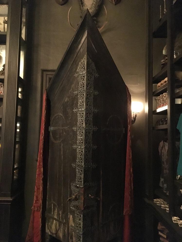 Armário que o Draco usou pra trazer os comensais pra Hogwarts